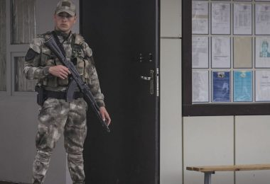 gay-express-chechnya-round-up-LGBT+